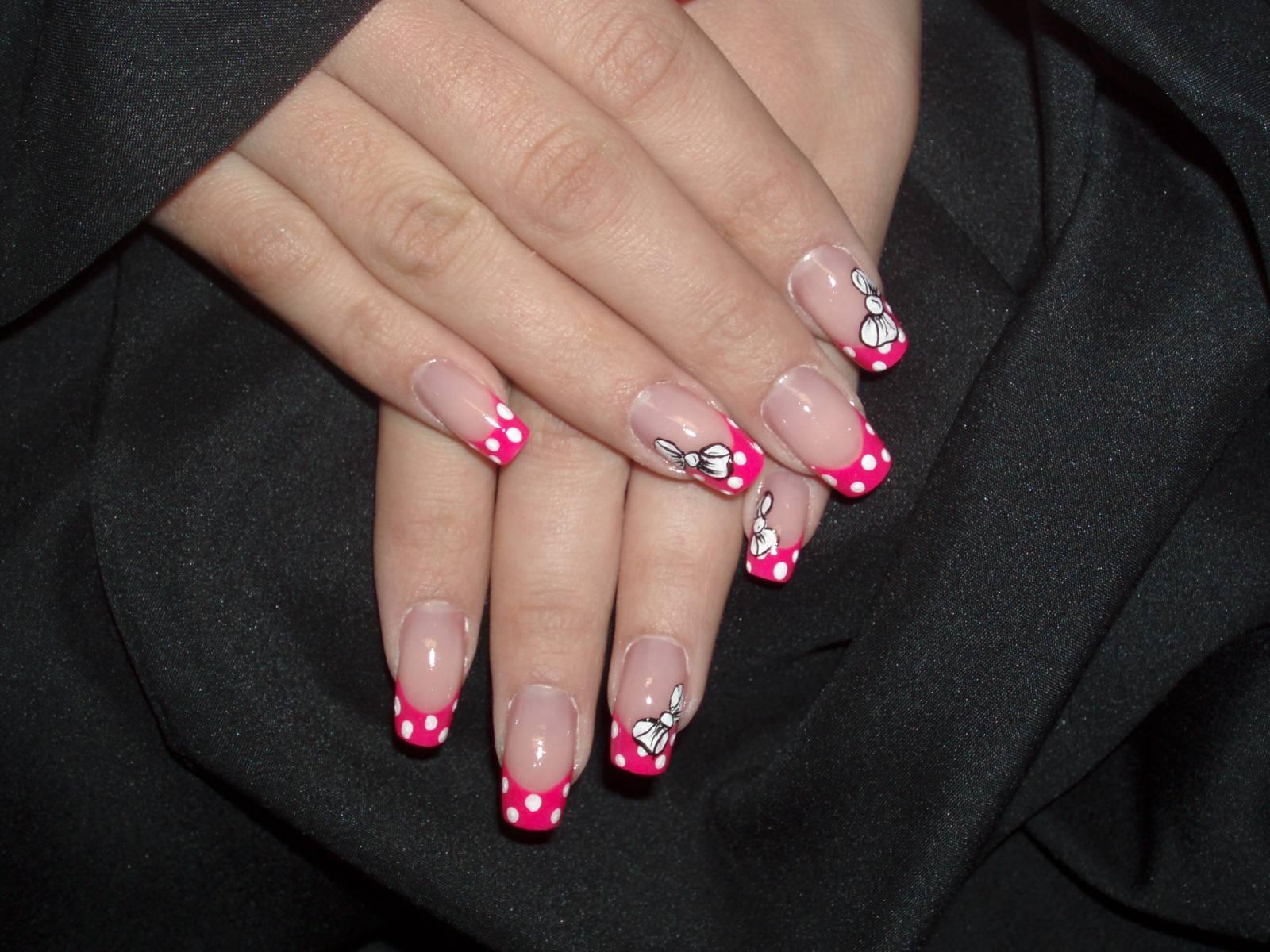 Ногти нарощенные черные с розовым фото
